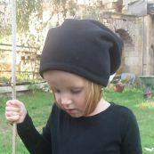 Čepice skejťačka koníčci na fialové- dětská čepice vyrobeno v ČR