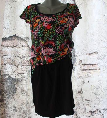 Dámské šaty přestřižené - tmavé květy mix ( úplet) vyrobeno v ČR