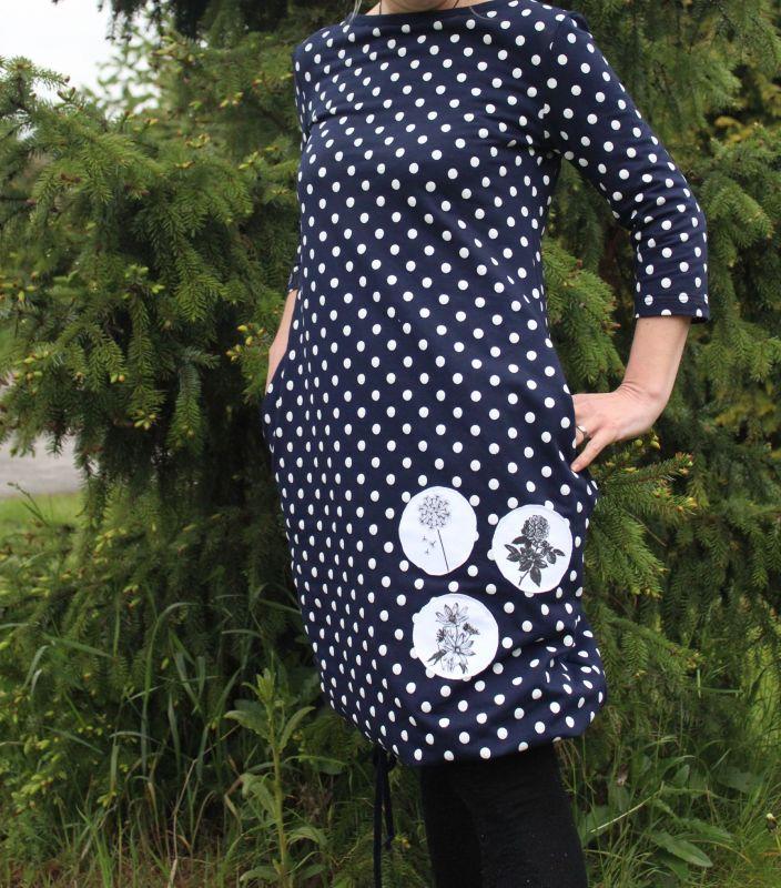 Dámské šaty balonové -tmavě modré s puntíky vyrobeno v ČR