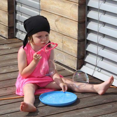 Šaty balonové - fluo růžová s černými puntíky vyrobeno v ČR